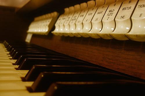 church_organ2